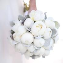 Слева направо: свадебные букеты невесты с орхидеями (1), розами (2), пионами (3), гортензией (4