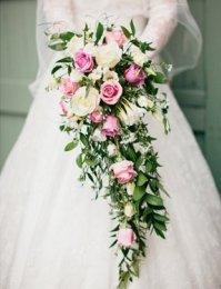 фото каскадный букет невесты